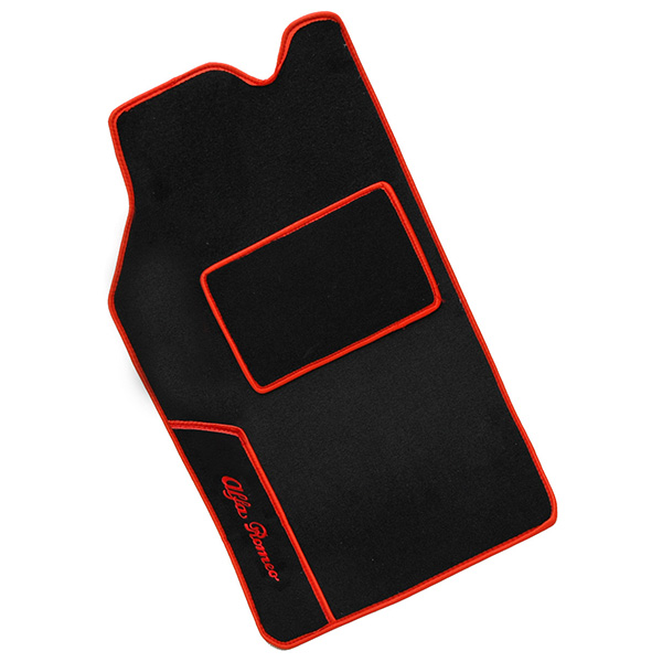 Alfa Romeo Alfetta/GTV Floor Mats (Black/Red Steach/LHD)