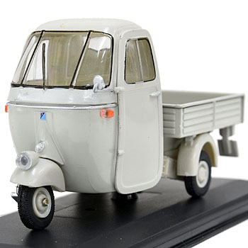 1/32 APE C4 Pinale 1962 Miniature Model