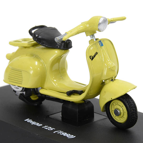 1/32 Vespa 125 1960 Miniature Model