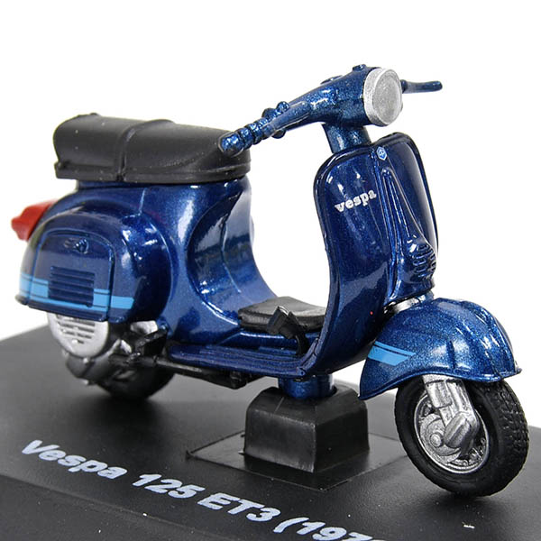 1/32 Vespa 125 ET3 1976 Miniature Model