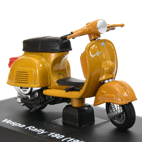 1/32 VESPA Rally 180 1968 Miniature Model
